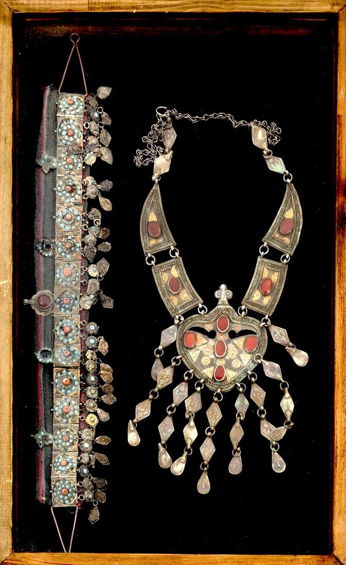SILVER? CHOKER NECKLACE & TURKOMAN NECKLACE WITH GEMSTO