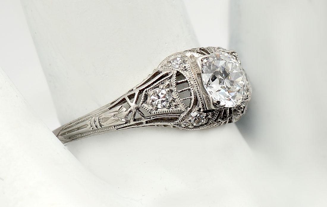 PUFFY PLATINUM EDWARDIAN DIAMOND RING
