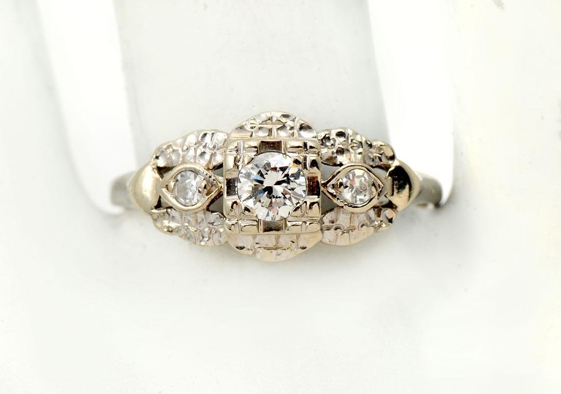 14K & DIAMOND RETRO ENGAGEMENT RING