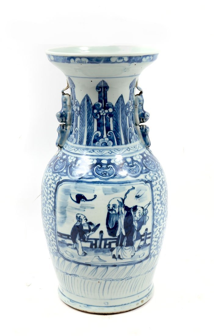 EARLY 19TH CENTURY BLUE & WHITE CHINESE BALUSTER V