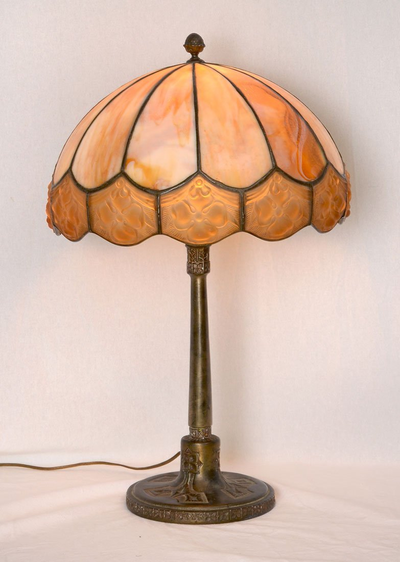 ANTIQUE TRANSITIONAL BRONZE SLAG GLASS LEADED LAMP
