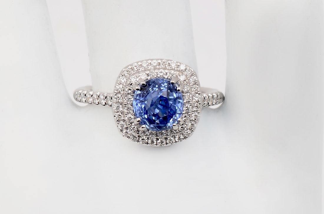18K 2.15 CT BLUE SAPPHIRE & DIAMOND RING