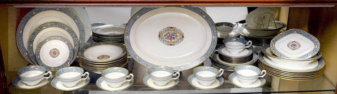 WEDGWOOD TURQUOISE RUNNYMEDE CHINA