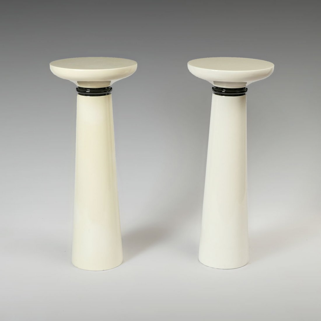 PAIR OF MODERN PEDESTALS