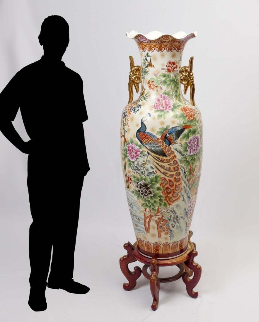 LARGE CHINESE PALACE VASE