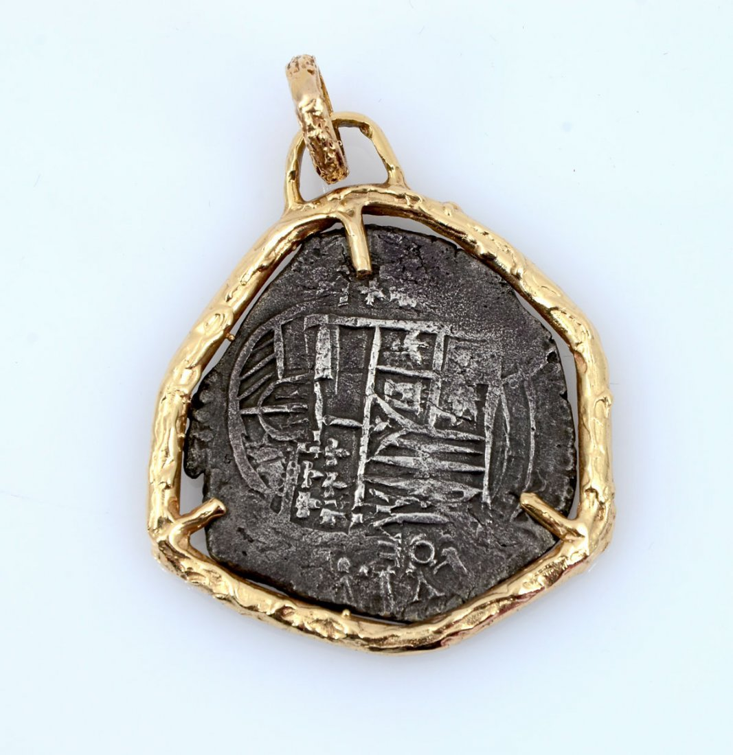 """EIGHT REALE/""""PIECE OF 8"""" PENDANT"""