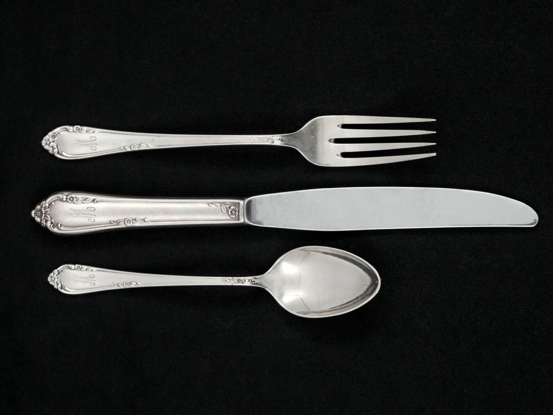 "STERLING REED & BARTON ""DANCING FLOWERS"" FLATWARE"