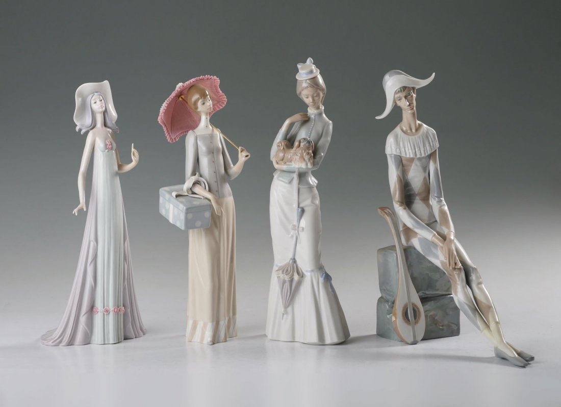 4 LLADRO FIGURINES