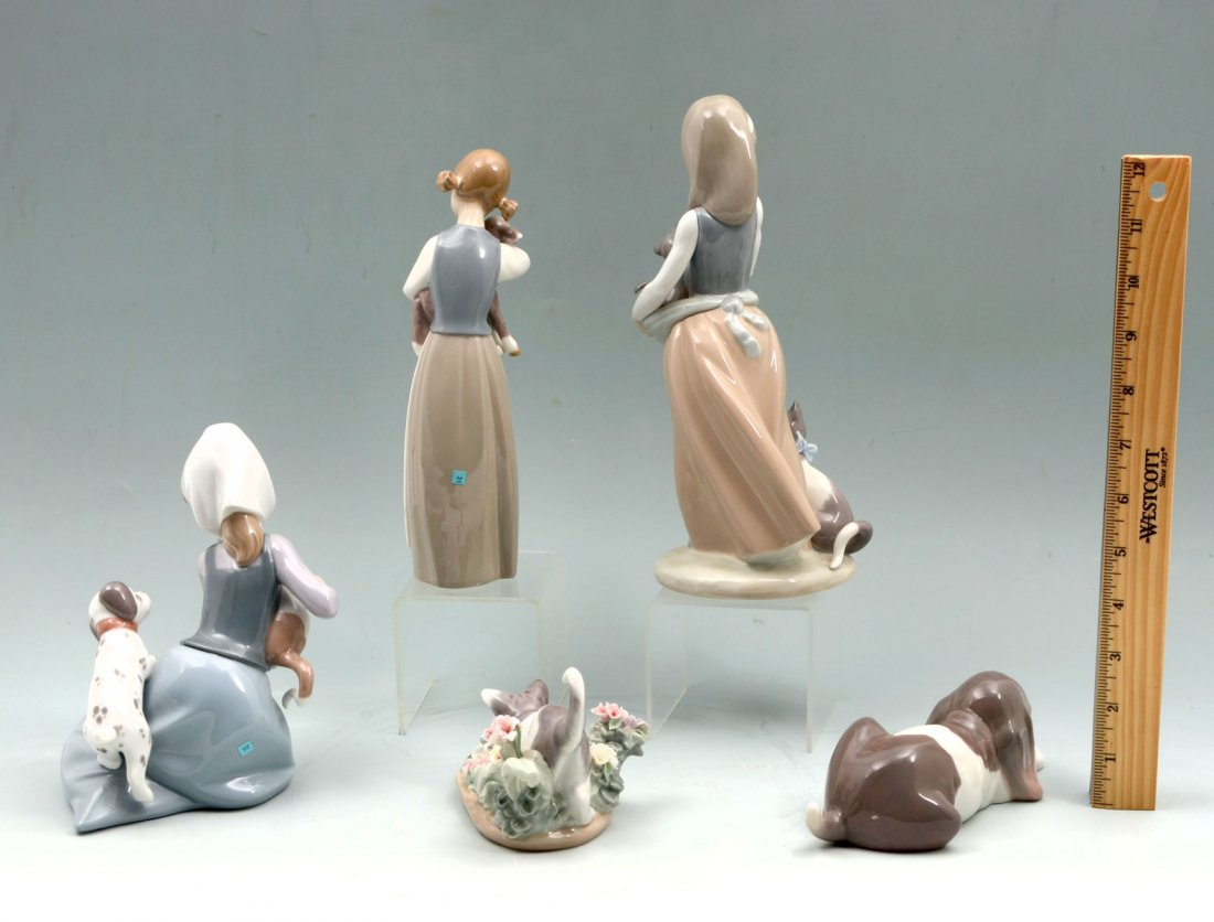 5 LLADRO FIGURINES - 2