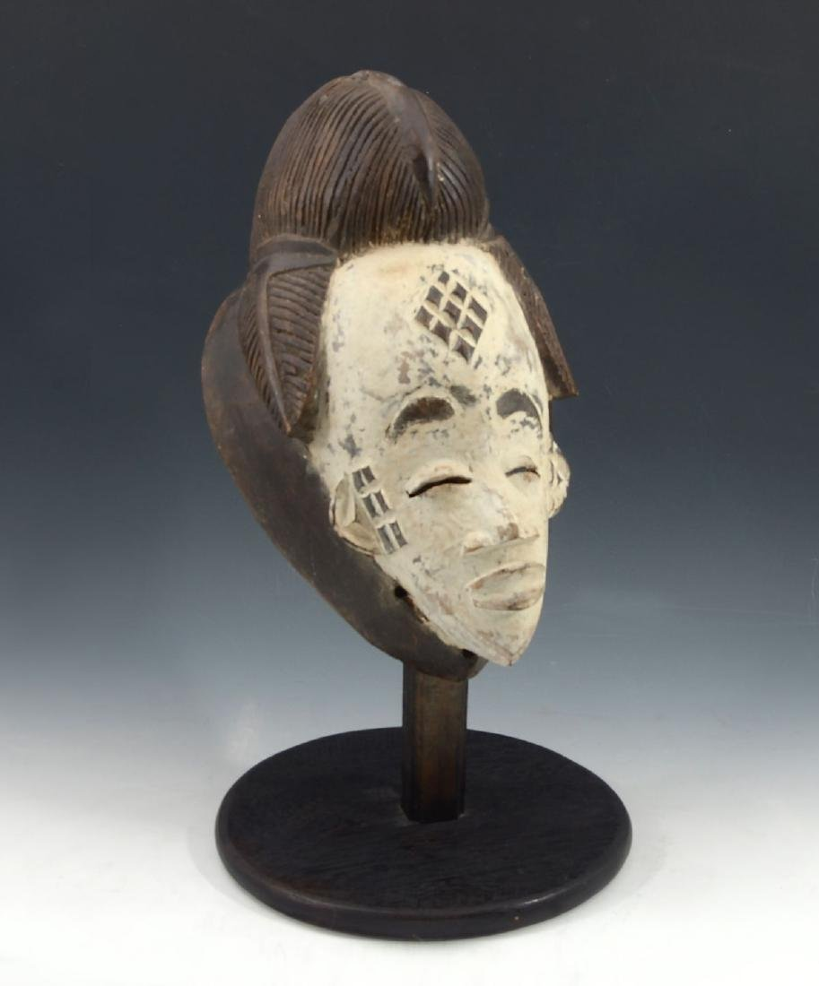 CARVED AFRICAN PUNU MUKUDJ MASK - 2