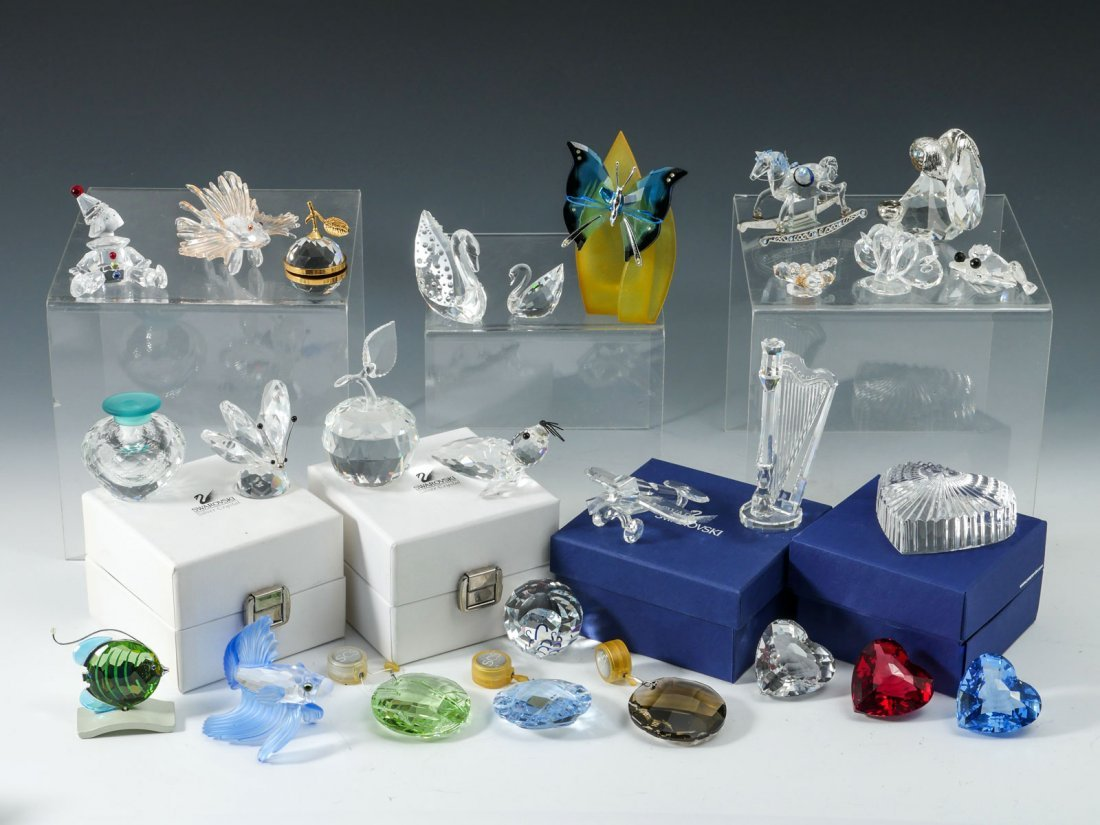 LARGE COLLECTION OF SWAROVSKI GLASS ITEMS