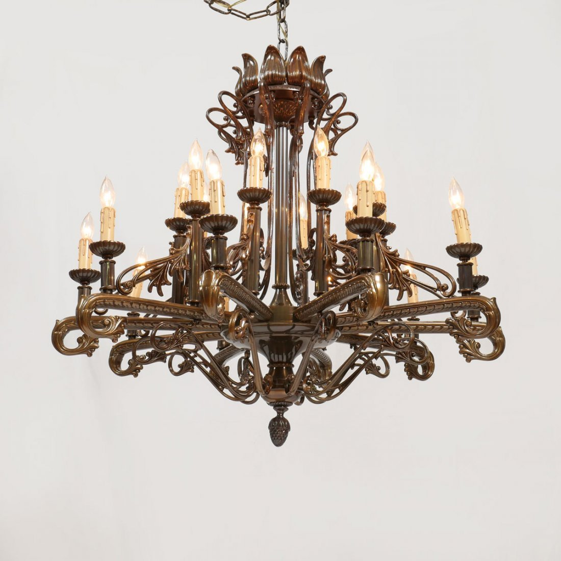 20 LIGHT PATINATED CHANDELIER