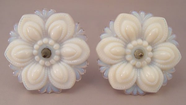 1327: 5 VINTAGE OPALESCENT GLASS CURTAIN TIE BACKS - 3