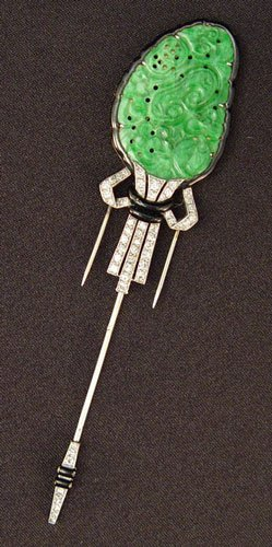 122: FRENCH 1920's PLATINUM 18K DIAMOND & JADE FUR PIN
