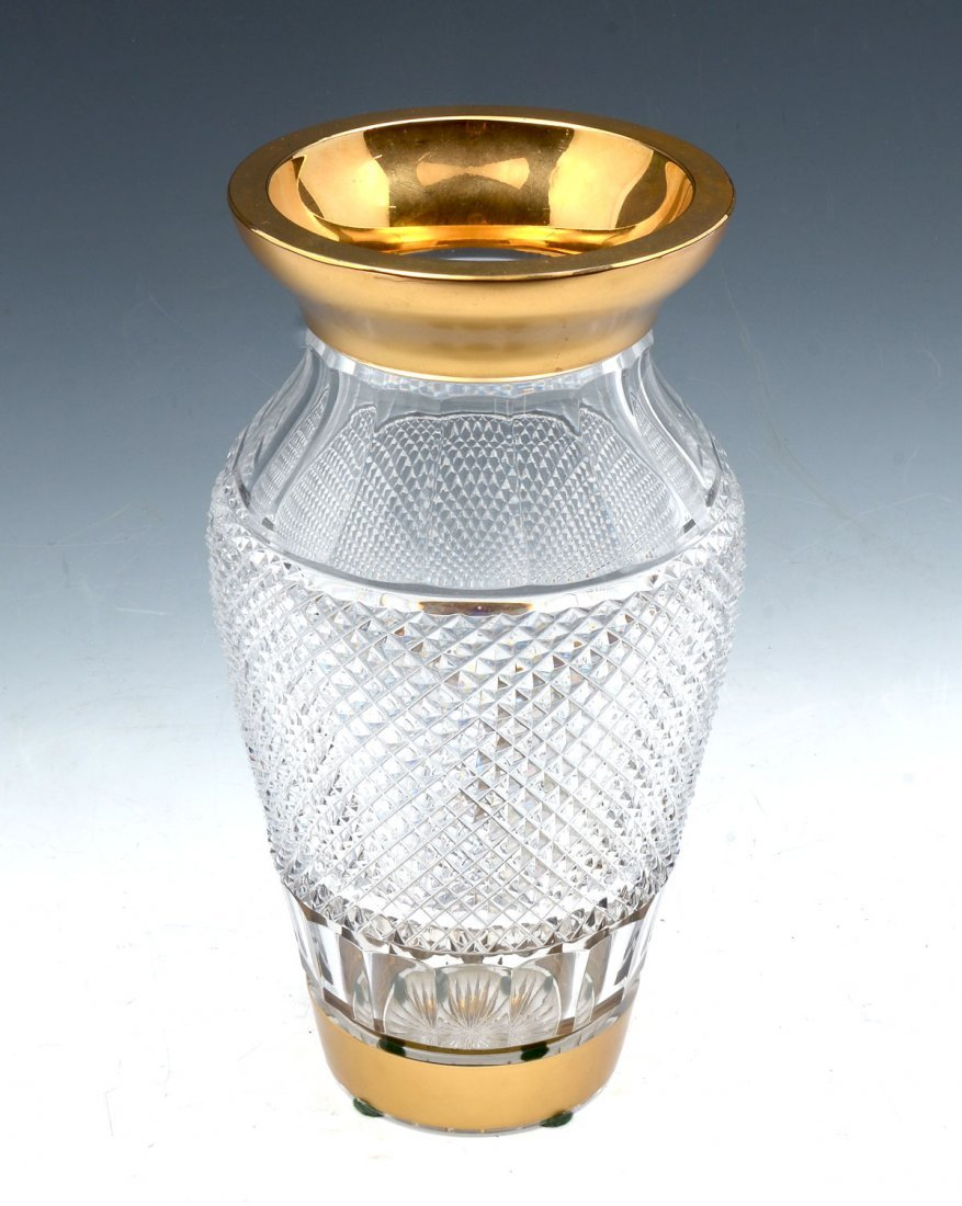 CRYSTAL DIAMOND CUT VASE WITH GOLD RIM