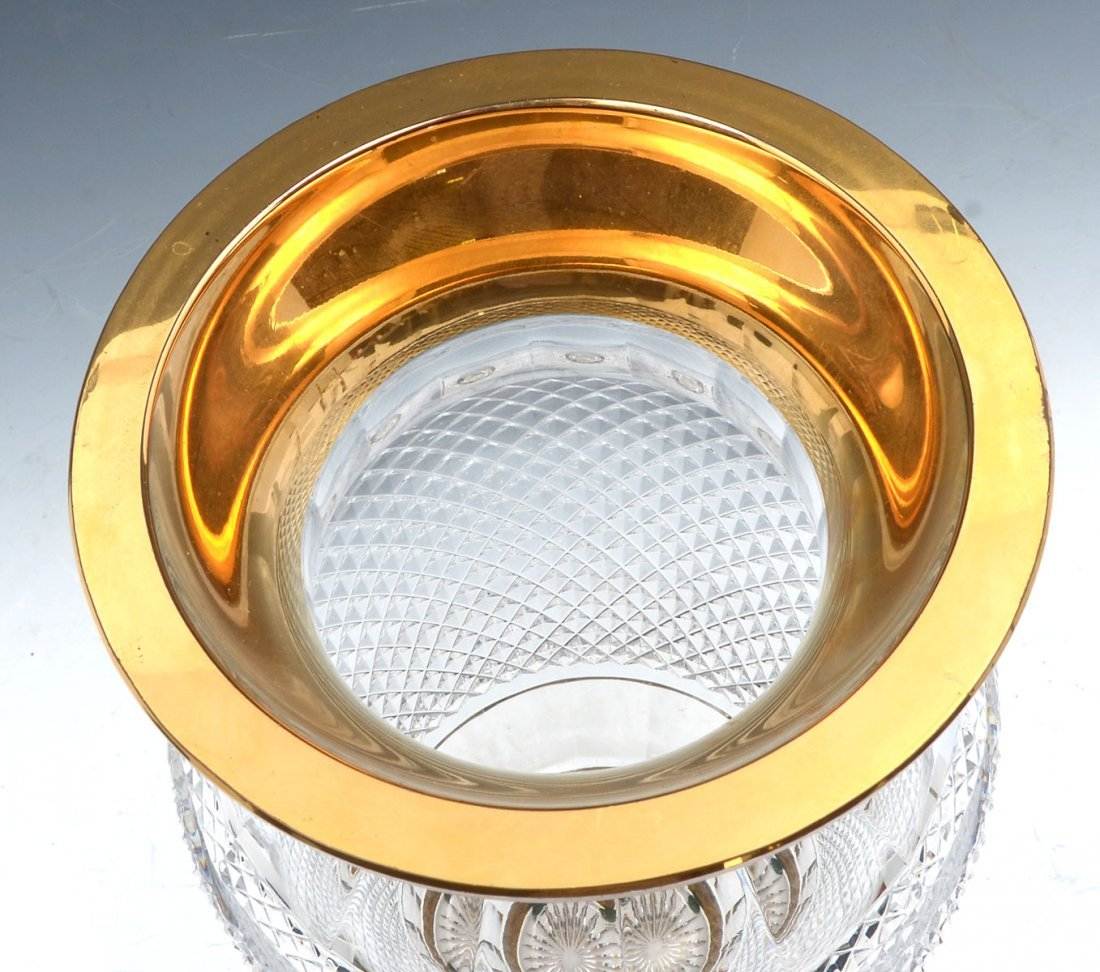 CRYSTAL DIAMOND CUT VASE WITH GOLD RIM - 2
