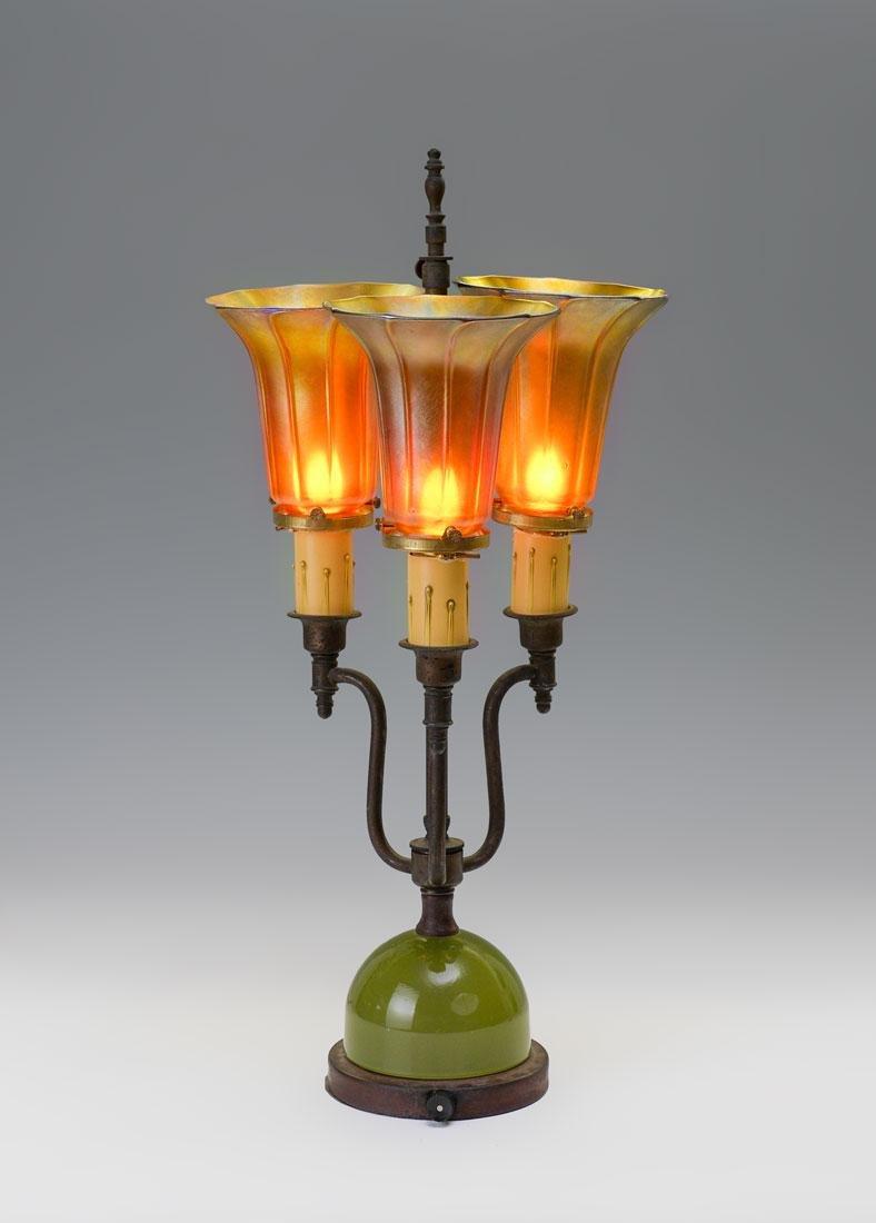3 IRIDESCENT QUEZAL SHADE LAMP