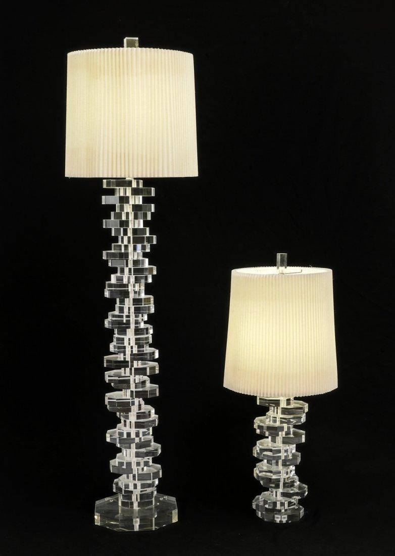 MODERNE LUCITE FLOOR LAMP & TABLE LAMP