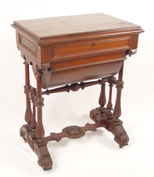 16: VICTORIAN SEWING  WORK STAND TABLE