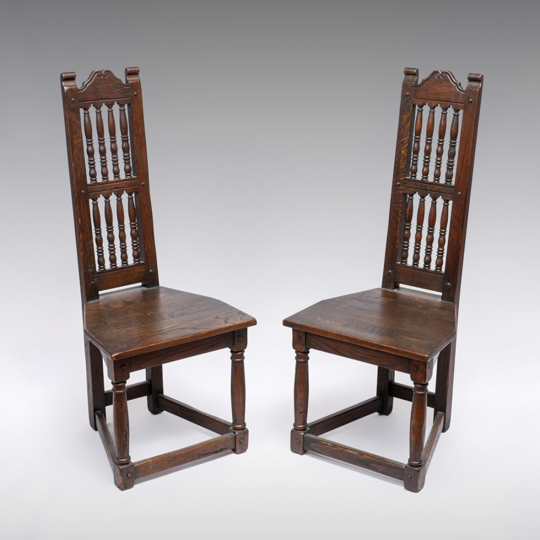 PAIR OF OAK ARTS AND CRAFTS SIDE CHAIRS