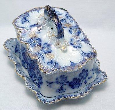 17: VICTORIAN ERA FLOW BLUE CHEESE DISH
