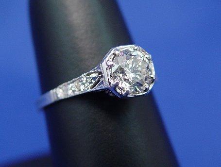 20: 1920'S DIAMOND PLATINUM FILIGREE RING 1CTW SZ6.75
