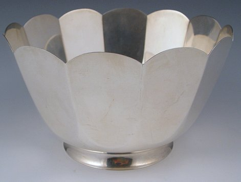 1020: LARGE TIFFANY & CO STERLING BOWL