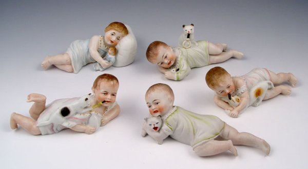 2009: GROUP OF 5 PIANO BABIES kitten puppy doll