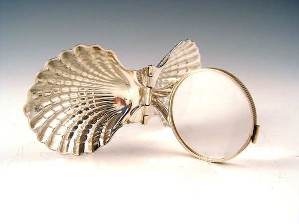 17: TIFFANY STERLING CLAM SHELL FORM MAGNIFIER