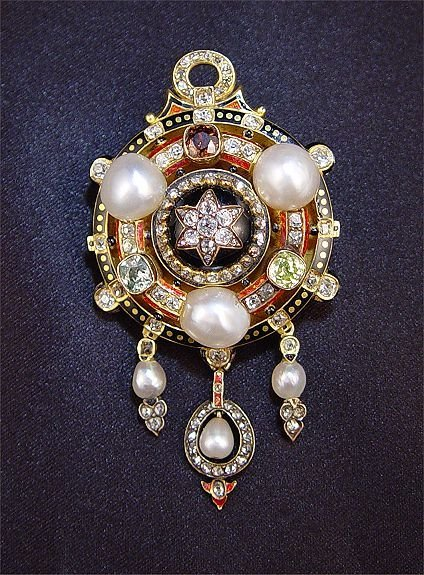1052: 18K ANTIQUE COLORED DIAMOND  PEARL BROOCH PENDANT
