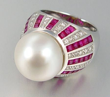 1011: 14 MM SOUTH SEA PEARL DIAMOND RUBY RING 18K  SIZE