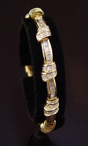 "1015: 8 ct DIAMOND BRACELET 14K 7.5"" 30.9 gr  NR"