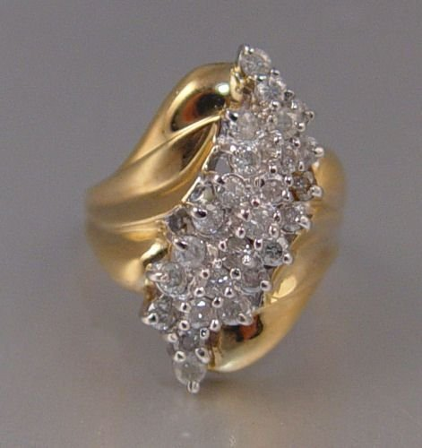 376: 1 ctw OF 25 DIAMONDS 10K GOLD RING  SZ 7