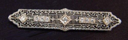 1023: EDWARDIAN DIAMOND PLATINUM 14k FILIGREE BAR PIN