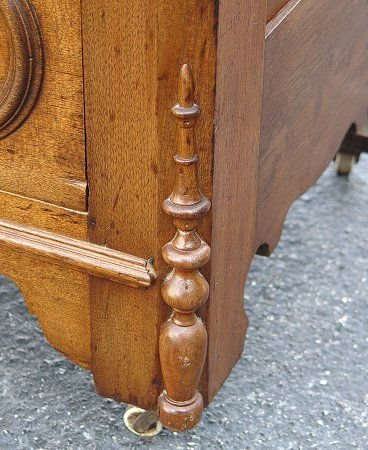 1023: VICTORIAN MARBLE TOP FOUR DRAWER CHEST - 3