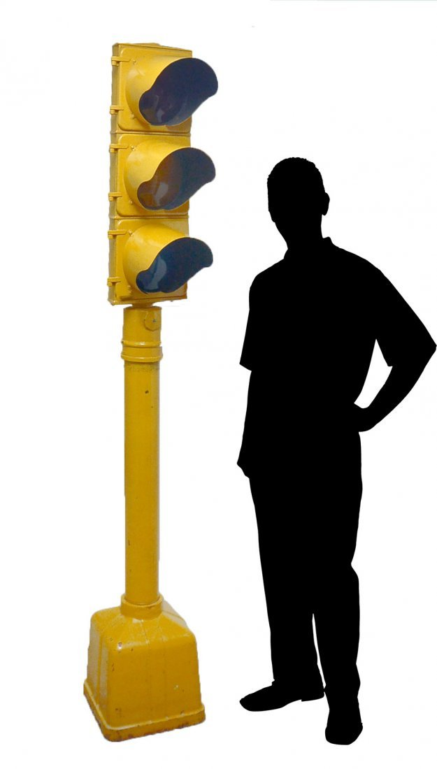 EAGLE SIGNAL TRAFFIC LIGHT ON STAND