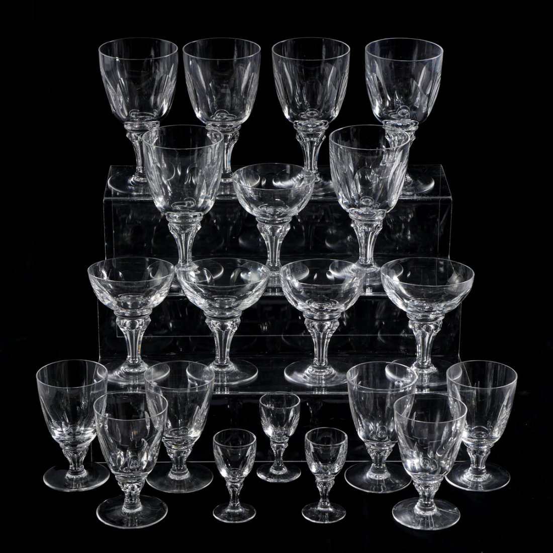 20 PC COLLECTION MAASTRICHT CRYSTAL STEMWARE
