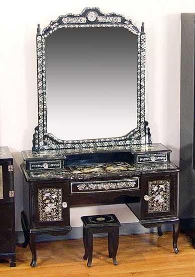 144a Korean Mother Pearl Inlay Black Lacquer Vanity