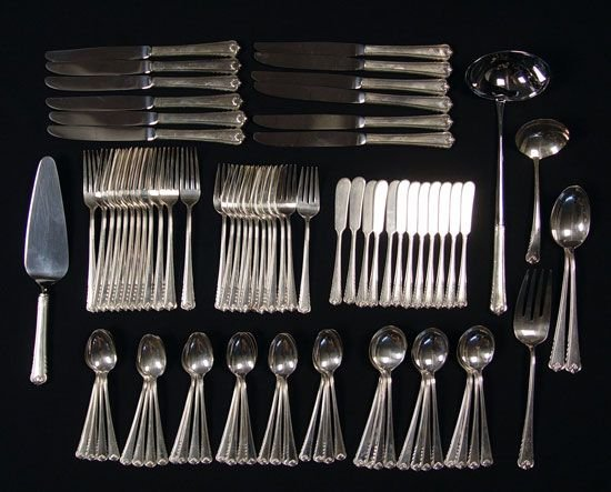 19: 90 pc ROGER BROTHERS MOONBEAM STERLING FLATWARE