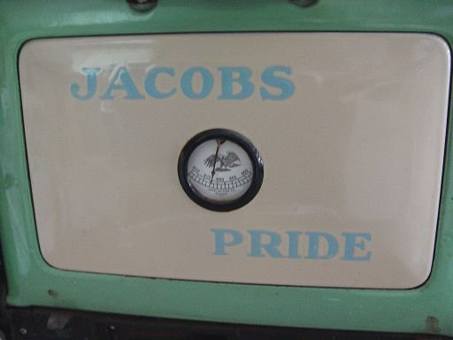 250A: JACOBS PRIDE PORCELAIN WOOD BURNING STOVE - 4