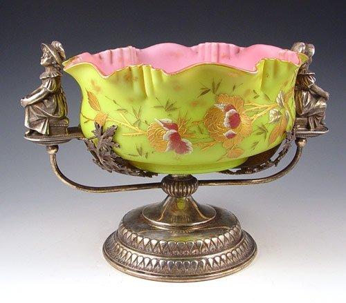 23: VICTORIAN ART GLASS BRIDES BASKET GREENWAY HOLDER