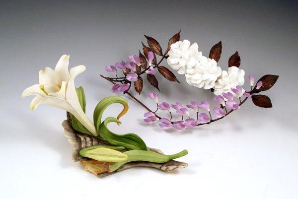 1283: 2 BOEHM PORCELAIN FLOWERS LILY GARDENIA & WISTERI