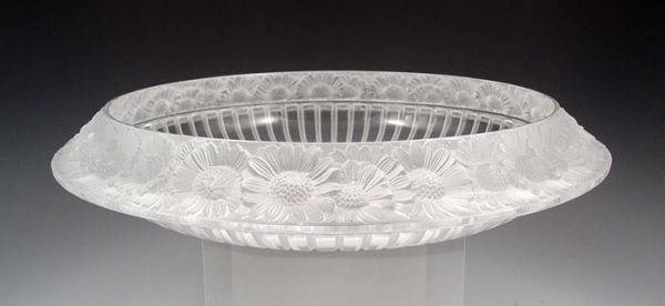18: LALIQUE FRENCH CRYSTAL MARGUERITES CENTER BOWL