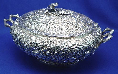 1024: LARGE STERLING REPOUSSE COVERED SERVING DISH
