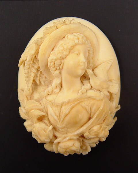3: CONTINENTAL CARVED IVORY CAMEO