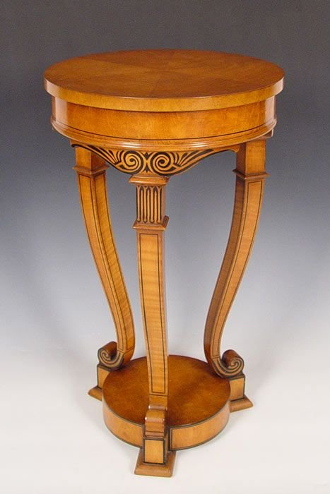 19A: HIGH STYLE NEO CLASSICAL STYLE SIDE TABLE