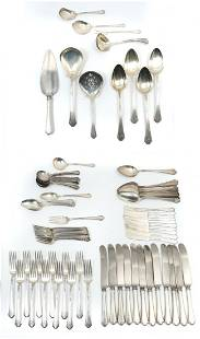 88 PC. TOWLE LADY MARY STERLING FLATWARE