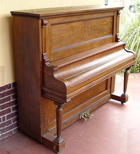 204: RICHMOND PIANO CO. TIGER OAK UPRIGHT PIANO