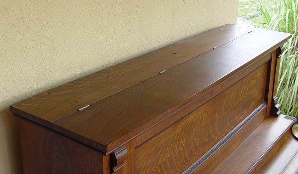 204: RICHMOND PIANO CO. TIGER OAK UPRIGHT PIANO - 3