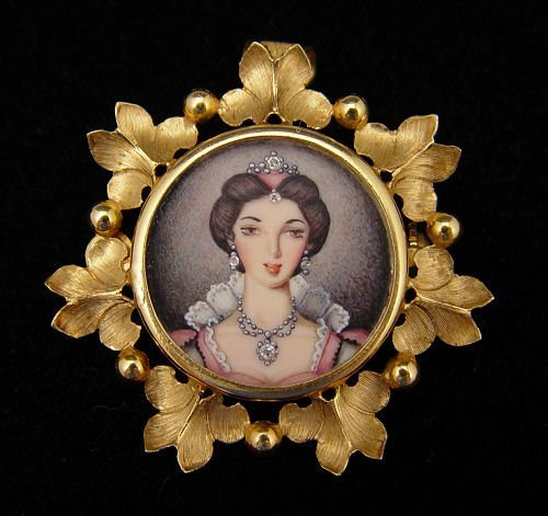 5: 18K PAINTED PORCELAIN PORTRAIT BROOCH